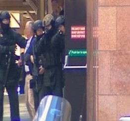 Australia: Police clear Martin Place after gunman holds hostages at Lindt Chocolat Cafe