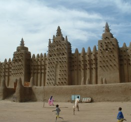 Mali: Militants attack Timbuktu, French troops deployed