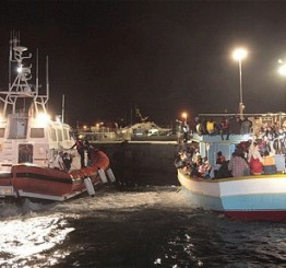 Italian coastguard finds 30 dead migrants in fishing boat