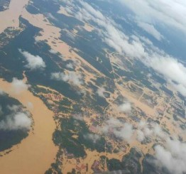 Malaysia: Number of flood victims in 4 states hits 105,000