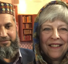 Over 200 UK mosques take part in open day