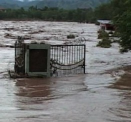 Pakistan: High flood in River Chenab puts Qadirabad at risk, 110 killed