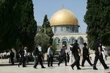 Palestine: Five Palestinians injured in clashes after Israelis invade Al-Aqsa Mosque