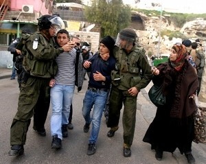 Palestine: Two Palestinians kidnapped, beaten, in Hebron