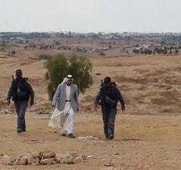 Israeli forces detain Palestinian, sons in Negev