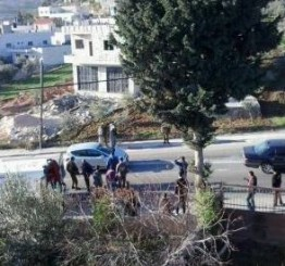 Palestine: Palestinian child injured after being hit by Israeli settler's car