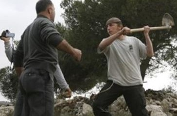 Palestine: Palestinian injured by Israeli settlers near Nablus