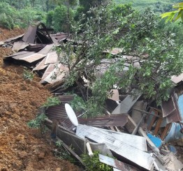 Sri Lanka: 14 bodies recovered from Sri Lanka landslide, hundreds more buried