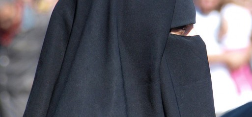 School sued for face veil ban