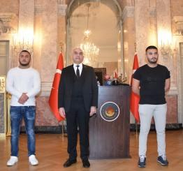 Austria: Palestinian saves Austrian policeman in Vienna terror attack
