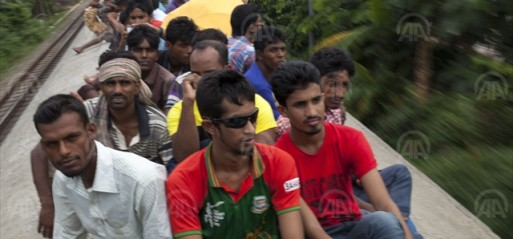 Bangladesh: Student protesters force capital standstill