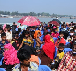Bangladesh urged to halt Rohingya relocation to remote island