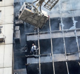 Bangladesh: 25 killed in Dhaka building fire
