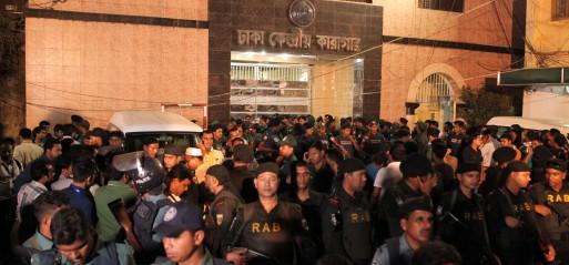 Bangladesh executes two senior opposition leaders