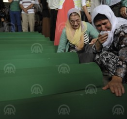 Bosnia: 136 Srebrenica genocide victims make last journey