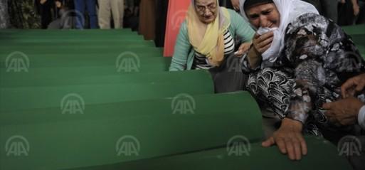 Bosnia: 136 Srebrenica genocide victims make last journey