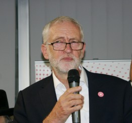 Corbyn impressed by contributions of mosques