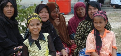 Cambodia: Muslim says Khmer Rouge threat forced her to deny Islam