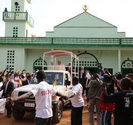 Central African Republic: Christian attack on mosque kills 20