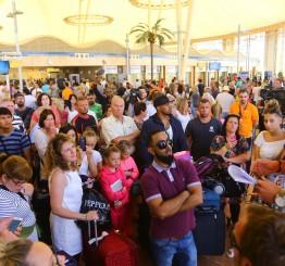 Russia joins UK in suspending Sharm el-Sheikh flights