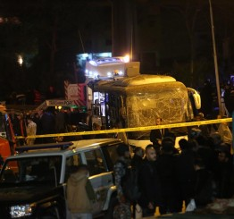 Egypt police kill 40 suspected terrorists after tourist bus attack killed 4