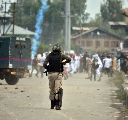 Jammu & Kashmir: Kashmiri protester killed, 16 injured by Indian troops after Eid prayers