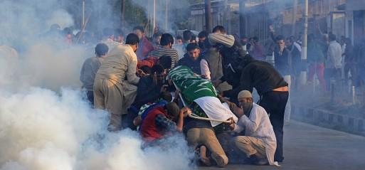 Jammu & Kashmir: Indian forces fire at crowds at Kashmiri boy's funeral