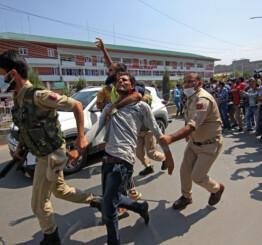 Jammu & Kashmir: Dozens held, journalists beaten as police stop Muslim religious procession