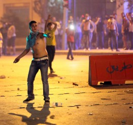 Lebanon: Beirut sanitation crisis triggers protests, clashes