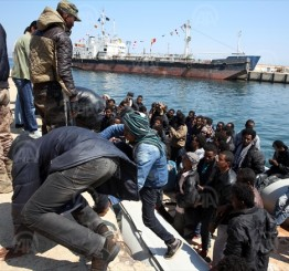 Libya: 25 dead as boat capsizes off Libya coast, 400 rescued