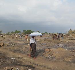 Myanmar monks & nationalists march to ban 'Rohingya'