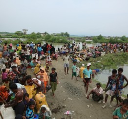 Malaysia, Thailand urged to rescue stranded Rohingya Muslims