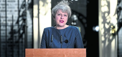 MPs back PM's u-turn on general election
