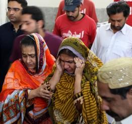 Pakistan: 11 killed in fire at Karachi hotel