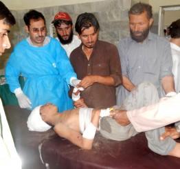 Pakistan: Suicide bomb attack kills 30 during Friday prayers
