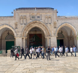Palestine: 120 Israeli settlers storm Al-Aqsa Mosque compound