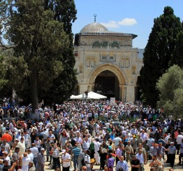 Palestine: Only 100,000 Muslims allowed for 1st Friday of Ramadan at Al-Aqsa