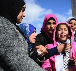 Palestine: Thousands attend funeral of slain Palestinian mother