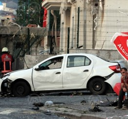 Turkey: Bomb attack injures 10 in Istanbul