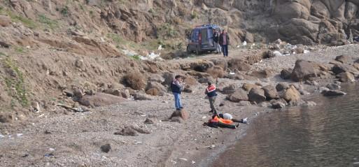 Turkey: Ten dead as refugee boat sinks off western Turkey
