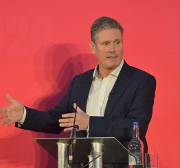UK: Govt must work with communities in vaccine roll-out, says Starmer