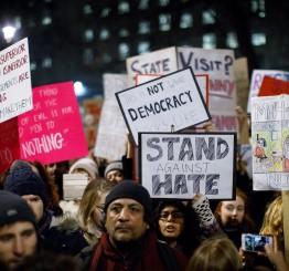 UK: Britons protest Trump's Muslim travel ban