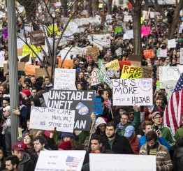 US:  Trump backpedals on part of Muslim refugee ban policy