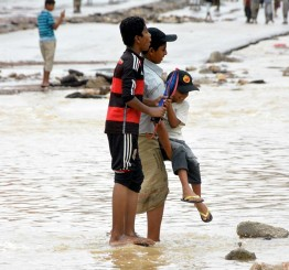 Yemen: Thousands of families displaced by Cyclone Chapala