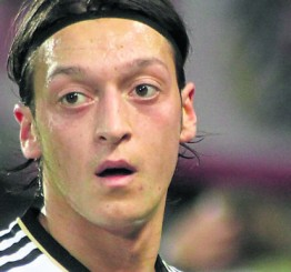 SPORT: Ozil scoops Germany Footballer of the Year award for the fifth time