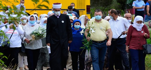 25th anniversary of Srebrenica genocide marked with burial of newly identified victims